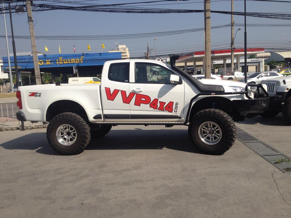 "รถ Colorado by V.V.P.4x4 37""M16, ARB bumper, side step & side rail, WARN winch, SAFARI snorkel."