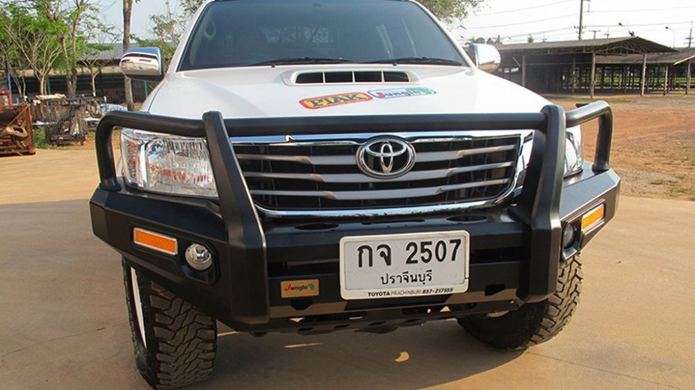 กันชนหน้า jungle4wd / PJ 113 Front Bumper Steel Black powder coated, straight loop, PU side with Fog Lamp and LED indicator.