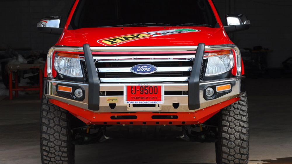 กันชนหน้า jungle4wd / PJ 114SS Front Bumper well polished stainless steel 304, straight loop, PU side with Fog Lamp and LED indicator designed to present your vehicle becomes more deluxe.