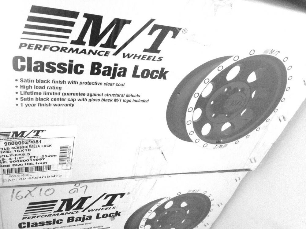 Max Mickey Thompson Classic III Baja lock 16x10 ราคาวงละ 13,500 บาท