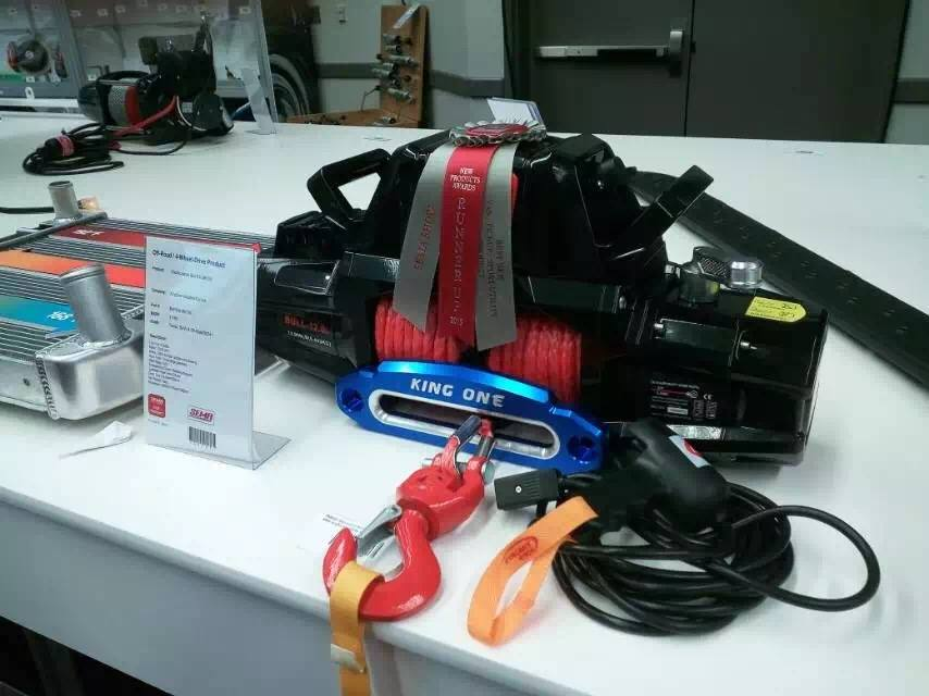 KINGONE WINCH ของดี เพราะเรามี รางวัล การันตี ความสามารถครับ ......  	SEMA 2015 US Special Broadcast: KingOne Winch obtained a new award  	KingOne winch in the area of professional league in the world, won the second prize of new products SEMA SHOW 2015, we admire the professional and justis of the organizers , thank for the support and encouragement of friends! And everyone is willing to join hands in creating a brilliant future!