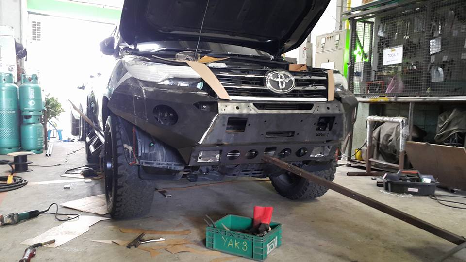 All new fortuner font bumper and step bar by YAK PULLOFF เร็วๆ นี้