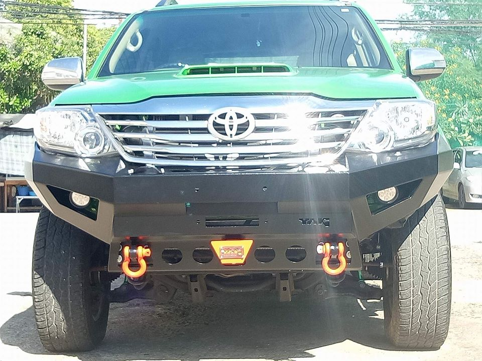 กันชนหน้า Toyota fortuner by Yak Pull Off