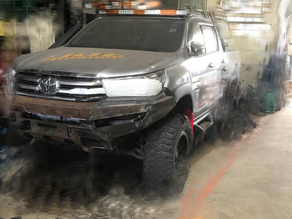 กันชน YAK Front bumper Toyota revo new model.