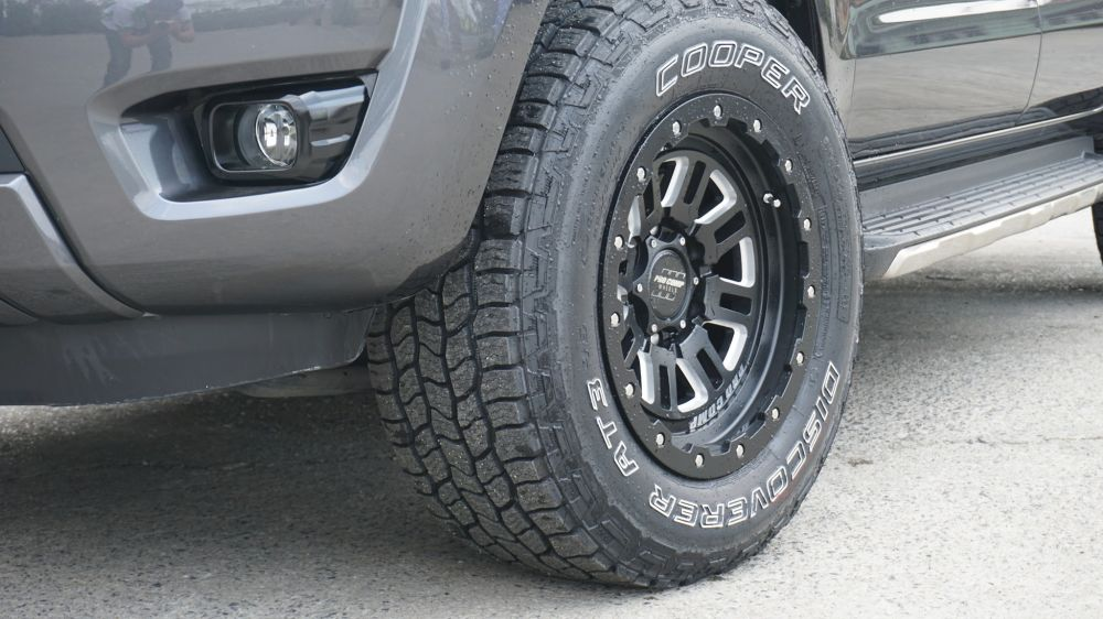 รถ FORD RANGERCOOPERTIRE x PROCOMP Wheel265/65 R17 17x9 Offset -6AT3 4S Cognito Series 61