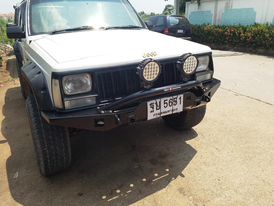 Bumper and Steering box brace jeep xj โดย Rock Country