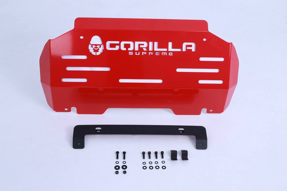 แผ่นกันแครงก์ Gorilla Supreme รุ่น S-201 Crossroad Skid PlateHigh quality steel skid plate protects under engine area, available with powder coating finish.Dimension : 96.5 x 47 cm.Weight : 9 kg.