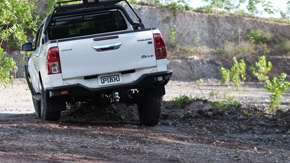 กันชนท้าย เปี๊ยก ระยอง Toyota Hilux Revo PREMIUM REAR STEP TOW BAR MULTI LEVEL TREAD PLATE - Max Towbar Capacity - Trailer 3500 kg- Ball Load 350 kg